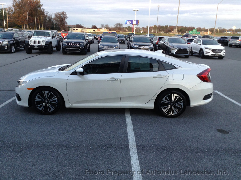 Pre-Owned 2017 Honda Civic Sedan EX-T CVT