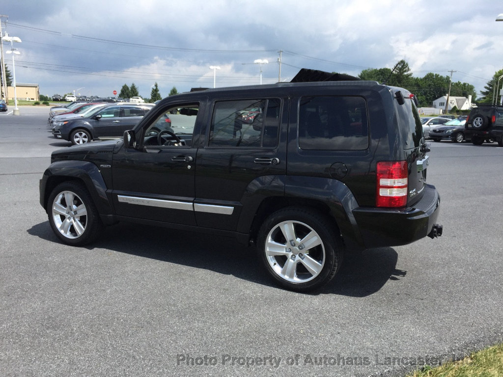 Pre-Owned 2012 Jeep Liberty 4WD 4dr Limited Jet