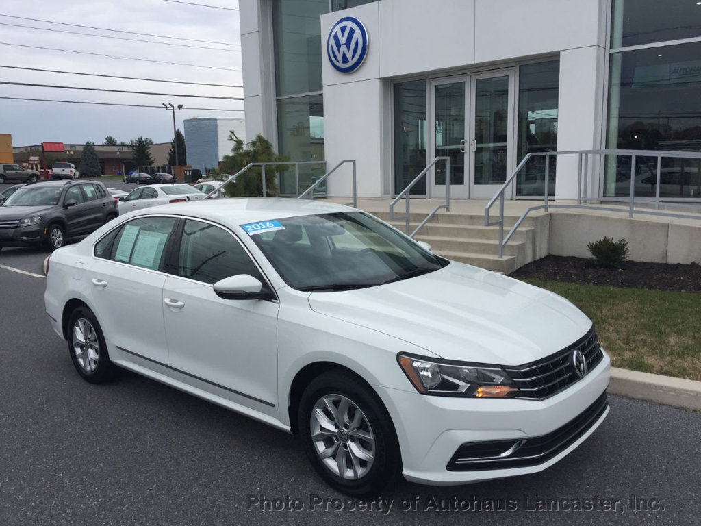 Pre-Owned 2016 Volkswagen Passat 4dr Sedan 1.8T Automatic S PZEV