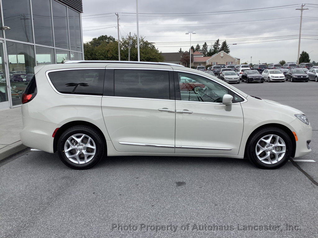 Pre-Owned 2017 Chrysler Pacifica Touring-L Plus 4dr Wagon