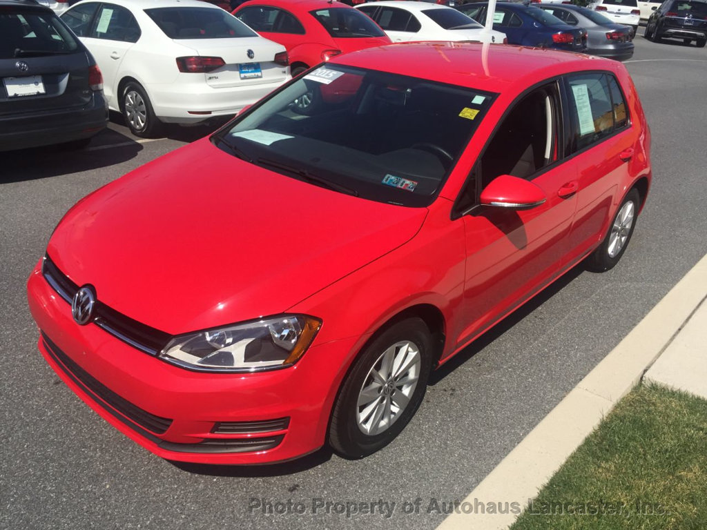 Pre-Owned 2015 Volkswagen Golf 4dr Hatchback Automatic S