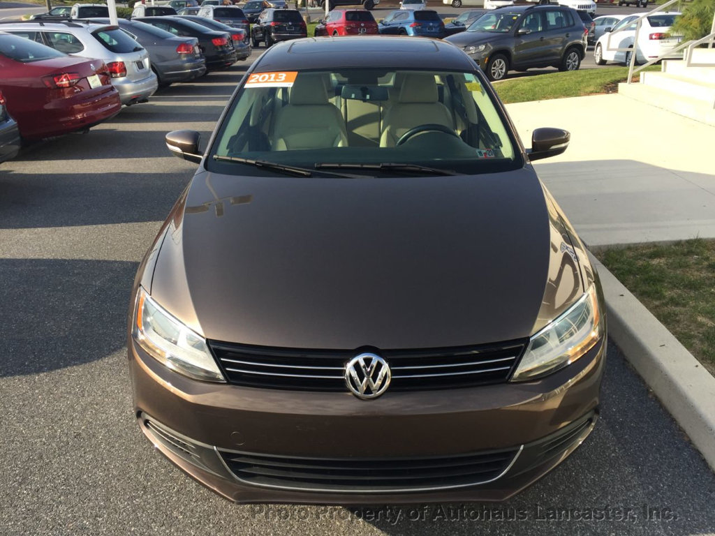 Pre-Owned 2013 Volkswagen Jetta Sedan 4dr Manual TDI w/Premium