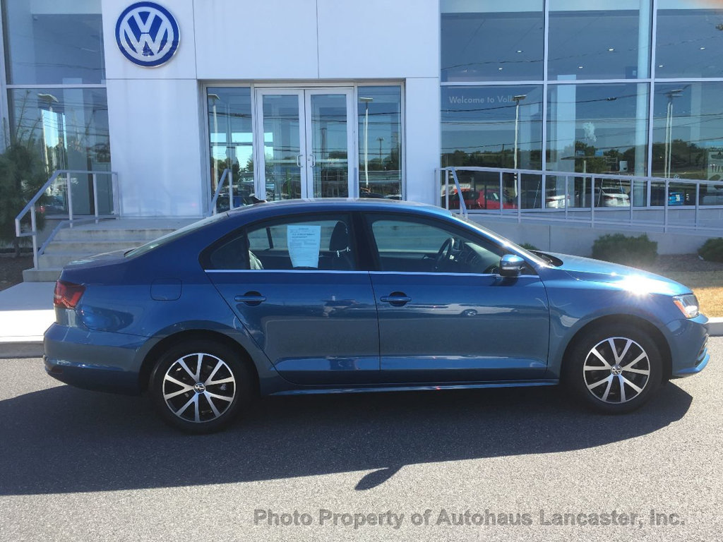 Pre-Owned 2017 Volkswagen Jetta 1.4T SE Automatic