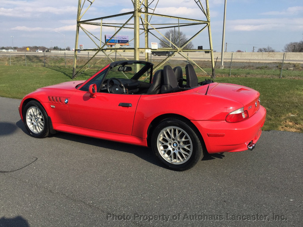 Pre-Owned 2001 BMW Z3 Roadster 2.5i
