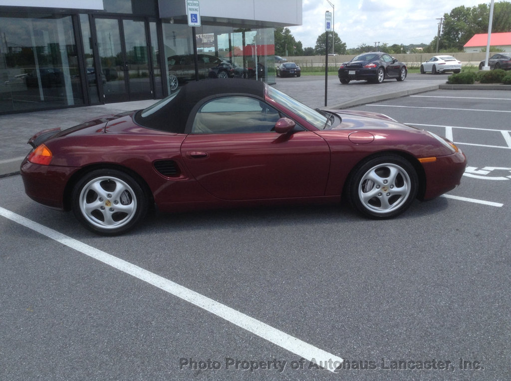 Pre-Owned 2000 Porsche Boxster 2dr Roadster Manual