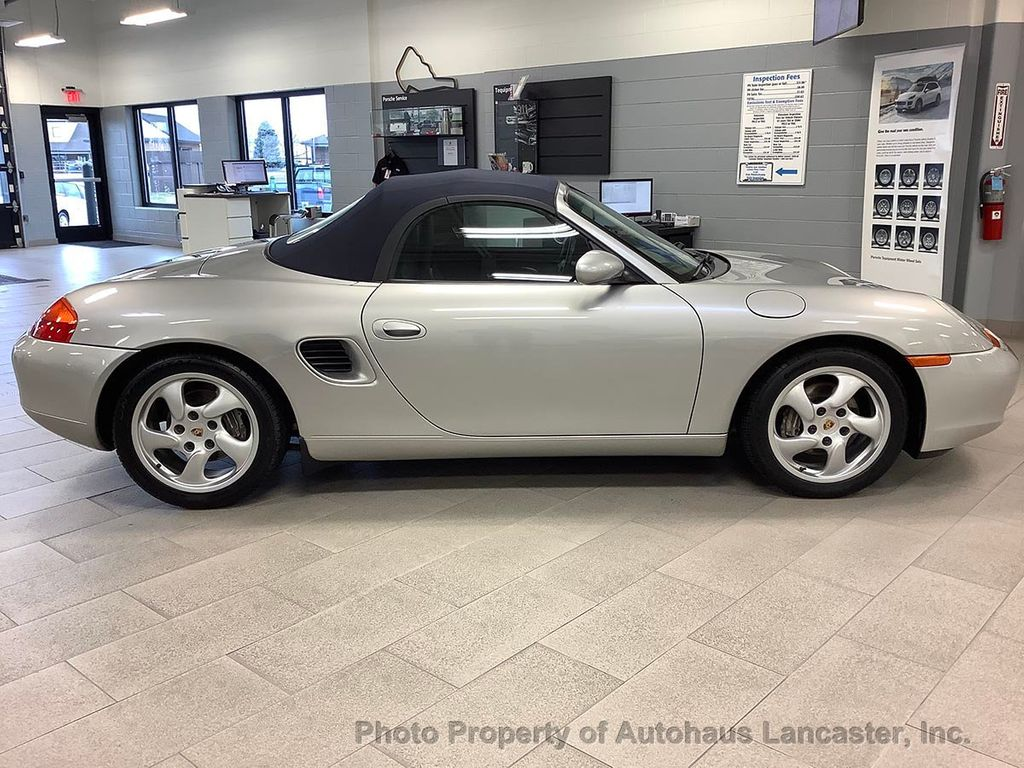 Pre-Owned 2001 Porsche Boxster 2dr Roadster 5-Speed Manual