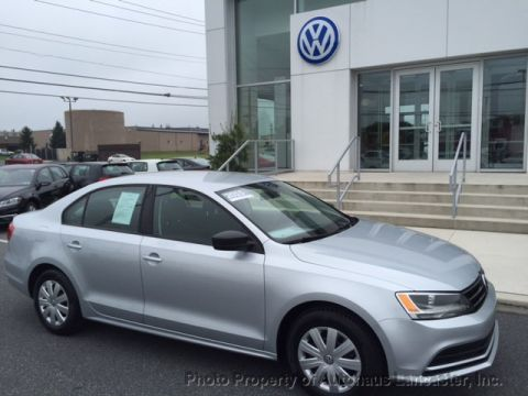 Pre-Owned 2015 Volkswagen Jetta Sedan 4dr Manual 2.0L S