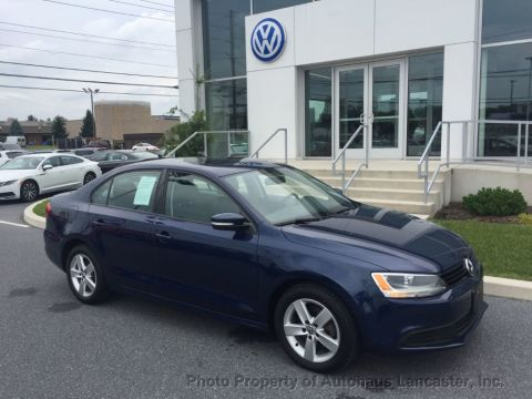 Pre-Owned 2011 Volkswagen Jetta Sedan 4dr DSG TDI