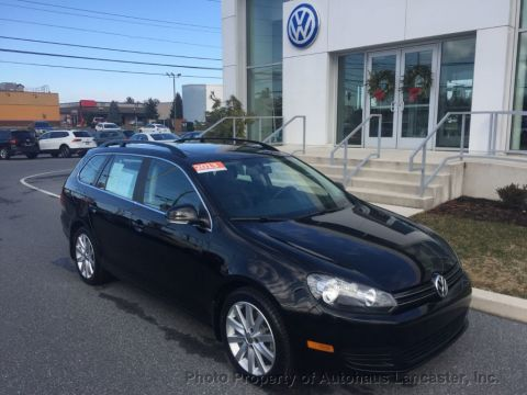 Pre-Owned 2013 Volkswagen Jetta SportWagen 4dr Manual TDI w/Sunroof & Nav
