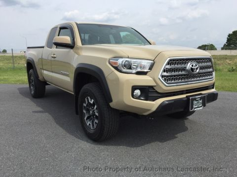 Pre-Owned 2016 Toyota Tacoma TRD Off-Road Access Cab 4WD V6 Automatic
